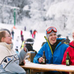 バスタッド/スコーネ近くのヴァラセンスキーリゾートでスキーを楽しめます。 家族や友人のための素晴らしいスキー。 夏には自転車公園で下り坂をサイクリングします。