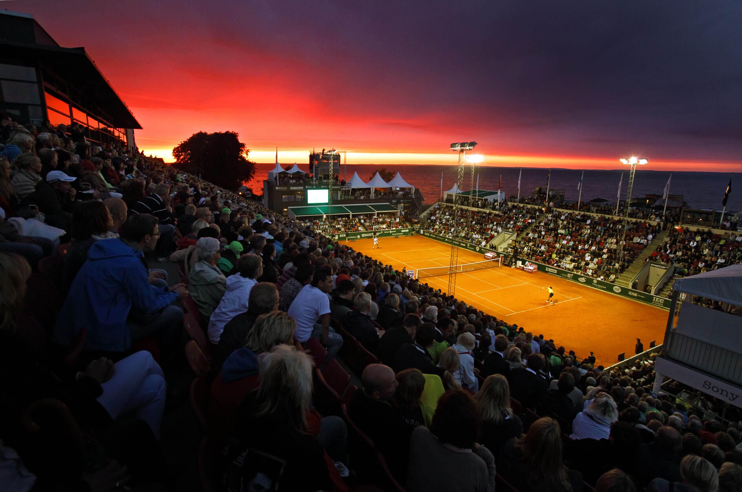 Теннис на закате Фото. Арена Бостад