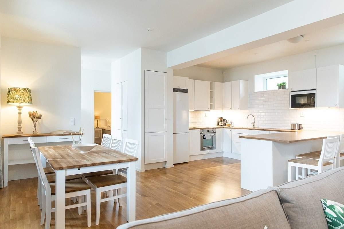 Residence Perseus affitta Alloggio zona pranzo a Båstad Bjärehalvön